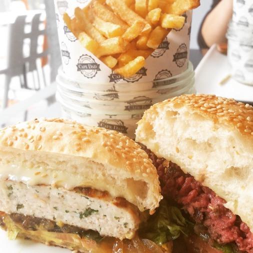 restaurant cafe dad paris hamburger et chicken burger