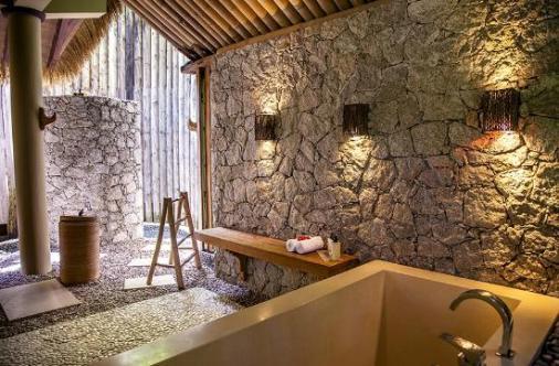 salle de bain domaine de l'orangeraie seychelles lune de miel