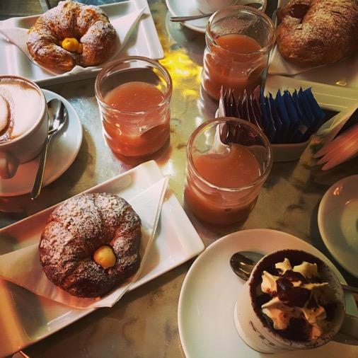 caffè stern petit déjeuner à partager
