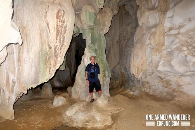 Bakwitan cave isla de iantes