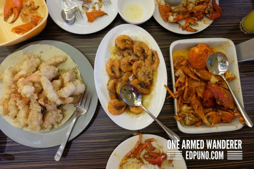 tempura, buttered shrimps, crabs in salted egg sauce