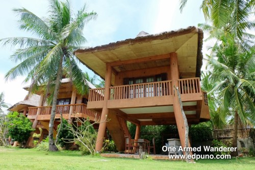 Beachfront Villa Habagat (rightmost villa)