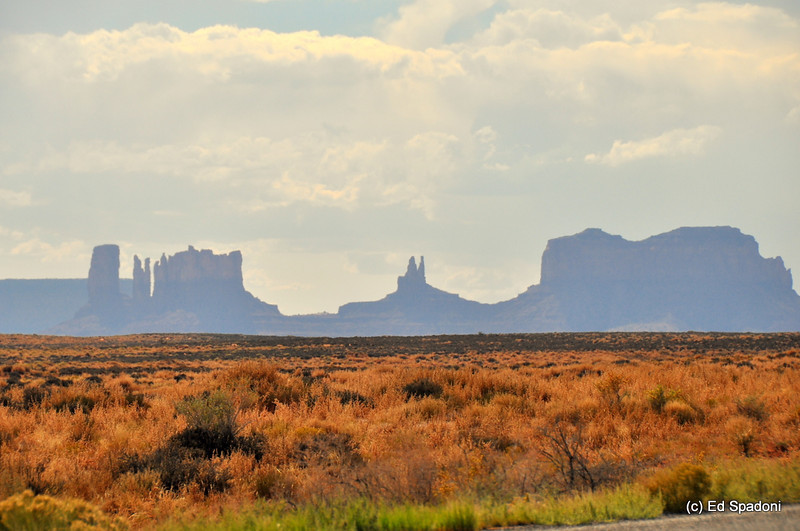 2/17/2011Back to the Great American Southwest... entering Monument Valley