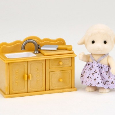 Sheep Sister with Kitchen Set