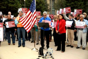 Simpatizantes Demócratas expresando su apoyo a la orden ejecutiva del Presidente Obama, Fresno, Noviembre 21, 2014. (Foto: Eduardo Stanley)