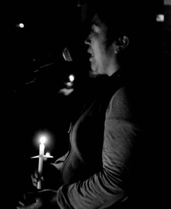 Rosa Hernández hablando al público (Foto: Eduardo Stanley)