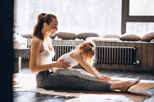 Practicar yoga con los niños