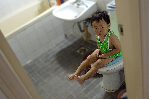 niño-pequeño-en-el-water-educadiver