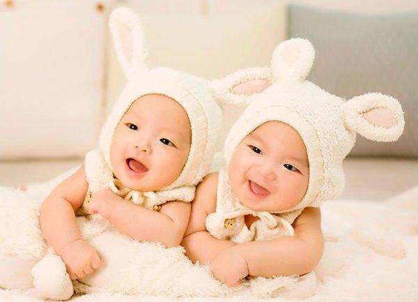 bebes-gemelos-educadiver