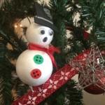 Día 10: muñecos con bolas de corcho blanco