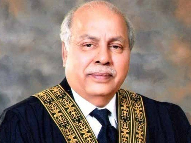 Commissioner Karachi and DG SBCA are rubber stamps, Chief Justice