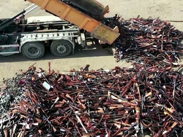 Belgium melted 22,000 rifles and pistols in the furnace