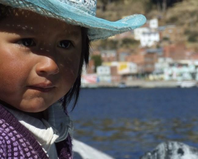 En el lago Lago Titicaca, Copacabana, Bolivia