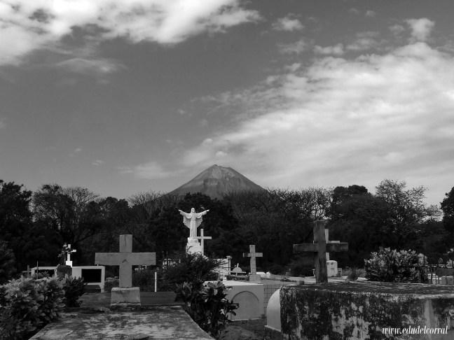 Cementerio de la isla Los Ángeles, Isla Ometepe, Rivas, Nicaragua