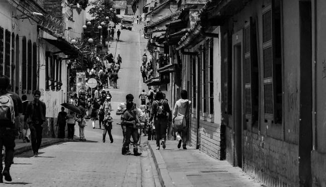 Saliendo de clases La Candelaria, Bogotá, Colombia