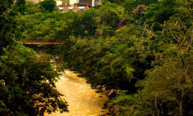Puente sobre el río Fonce San Gil, Santander, Colombia