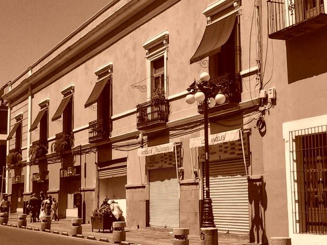 Bajo el sol calles de Puebla, Puebla, México