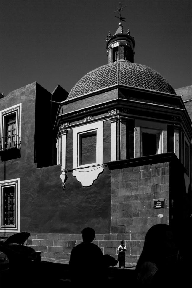 Luces y sombras calles de Puebla, Puebla, México