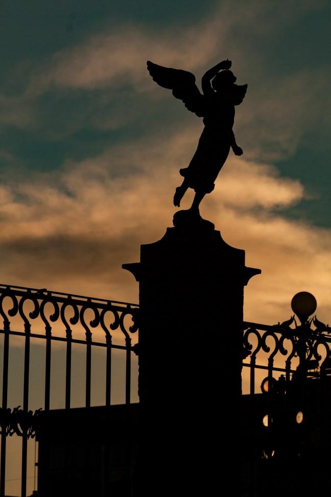 El ángel Catedral de la ciudad de Puebla, Puebla, México