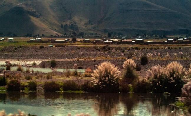 El ojo de agua Carretera Arequipa a Juliaca, Perú