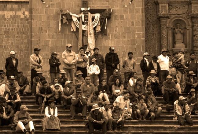Domingo en el centro Plaza de Armas, Puno, Perú