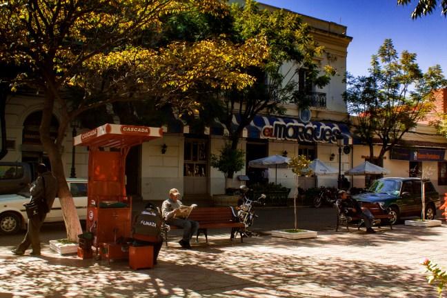 El lustrador de zapatos Tarija, Tarija, Bolivia