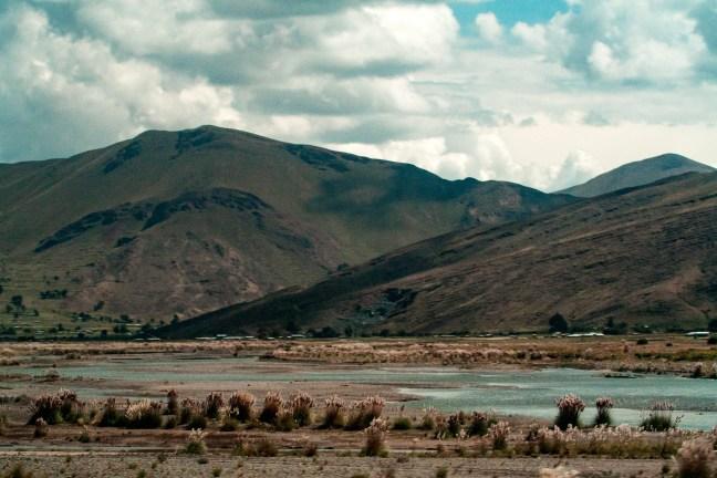 La ribera Carretera de Arequipa a Puno, Perú