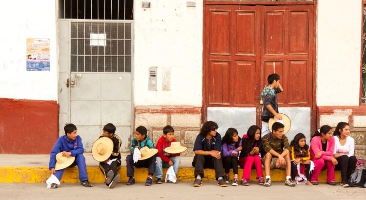 Mediodía en el parque Andahuaylas, Apurímac, Perú