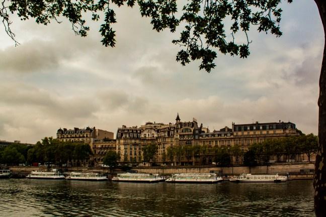 La margen del río París, Francia