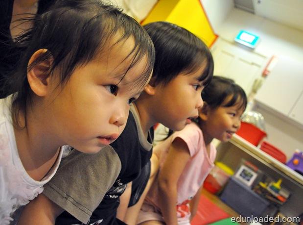 kids captivated