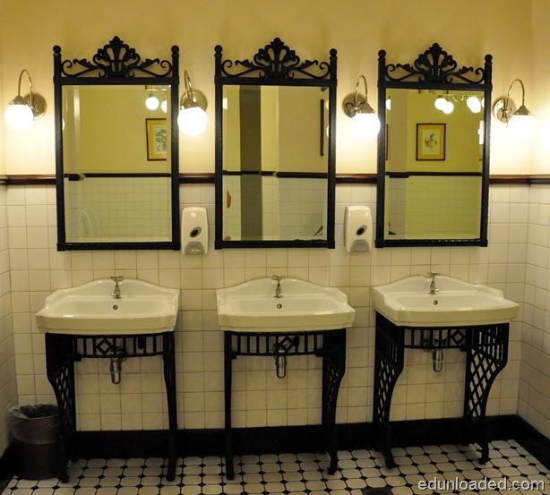 E&O Toilet