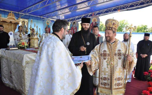 Cum au fost abuzati sexual, in mod sistematic, elevii de la seminarul teologic din Husi, chiar de catre fostul episcop Corneliu Barladeanu - Edupedu
