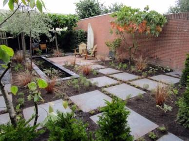 Strakke vijver, mediterrane beplanting