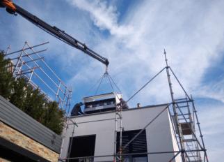 Österreich: Kombination aus Windwalzen, Solarmodulen und Stromspeicher macht Firmensitz von Krajete ganzjährig energieautonom