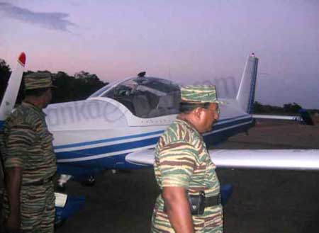 LTTE leader with Tiger commanders with air tigers 7