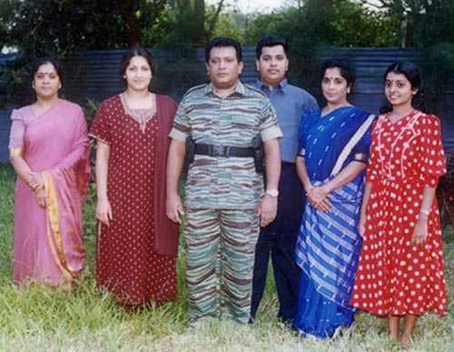 prabakaran family 18