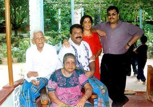 prabakaran family 31
