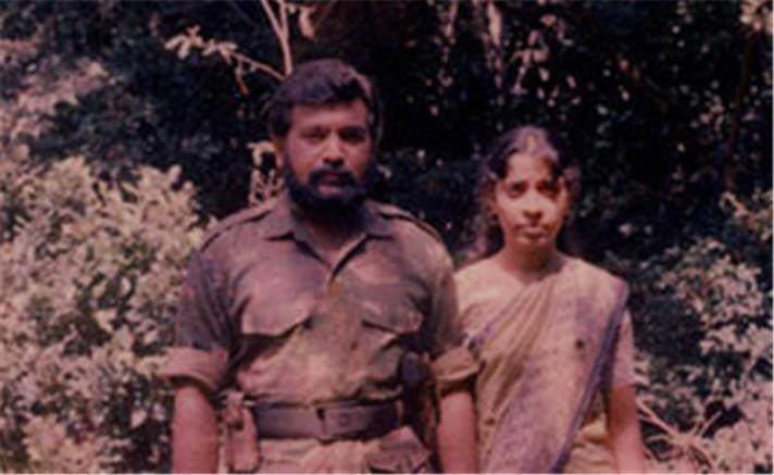 prabakaran family 33