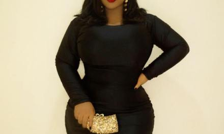 Curvy Blogger shows How to Dress Plus Size Figure