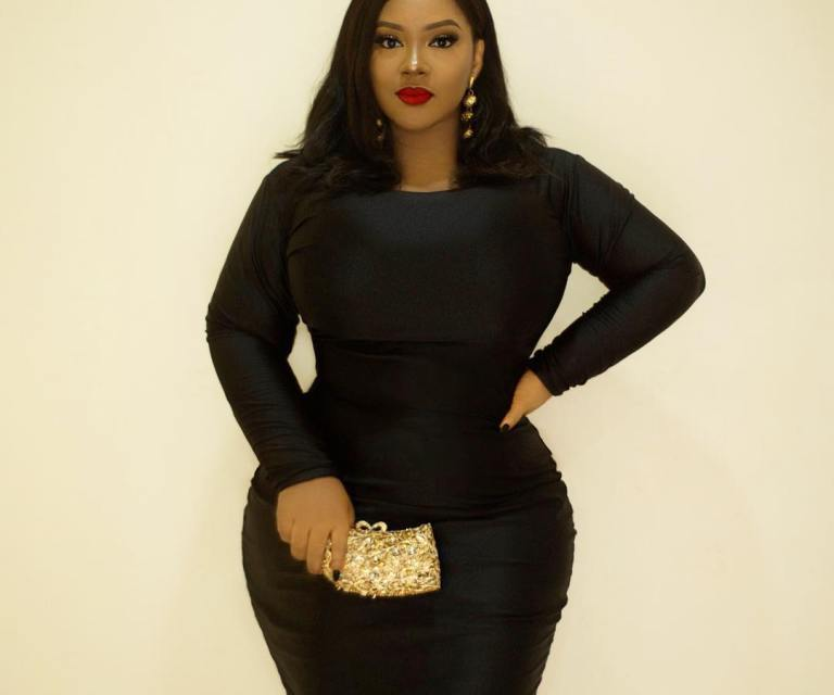 Curvy Blogger shows How to Dress Plus Size Figure - Everything ...