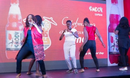 See Highlights from Smoov's Mother's Day Event