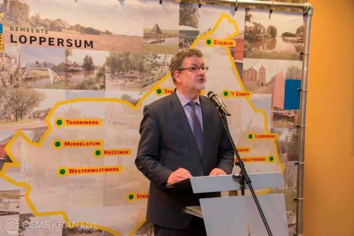 Burgemeester Rodenboog onthult oorlogsmonument in Leermens