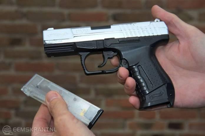 Politie treft vuurwapen aan in woning Zeerijp