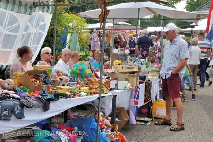 Gezellige jaarmarkt met een oogst- en Kunstfair bij De Luingahof in Bierum