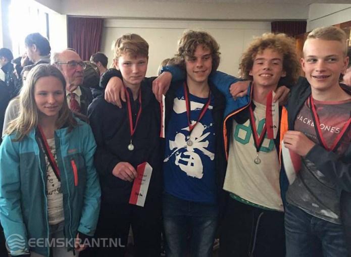 Titels op de Amstel Voor Neptunusroeier Veninga en voor de jeugdvier