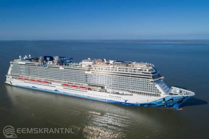 Cruiseschip Norwegian Bliss aangekomen in de de Eemshaven(video)