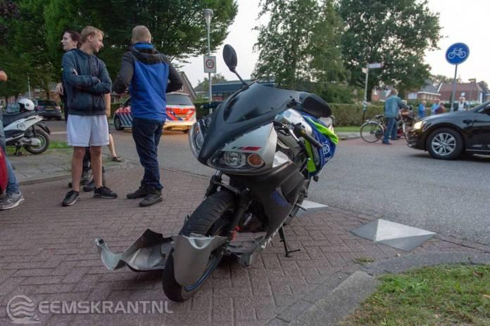 Alleen blikschade bij ongeval tussen automobilist en brommer op de Farmsumerweg in Appingedam