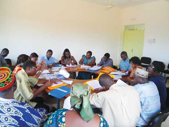 Meeting of a communal commission © Handicap International