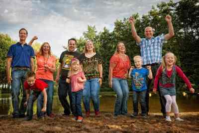 fotostudio familieportret fotografie familie gezin ouders & kinderen opa oma fotograaf Nieuw-Vennep Getsewoud Hoofddorp Lisse park