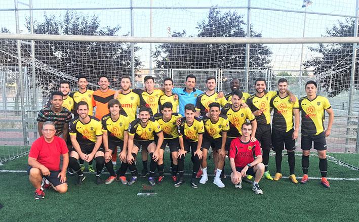 Jaro Vadillo con su equipo y su cuerpo técnico